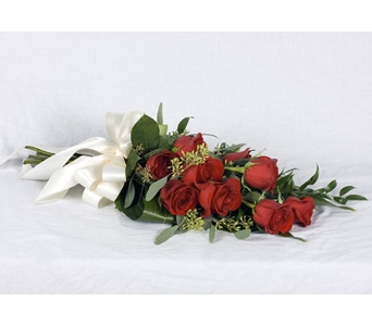Arm Style Rose Bouquet in St Catharines ON, Vine Floral