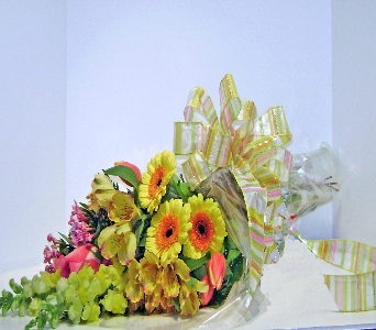 Gathered Garden Wrap in Herndon VA, Herndon Florist, Inc