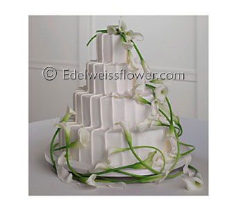 White calla cake in Santa Monica CA, Edelweiss Flower Boutique