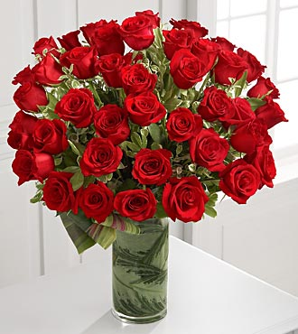 Fate Luxury Rose Bouquet in Chicago IL, Yera's Lake View Florist