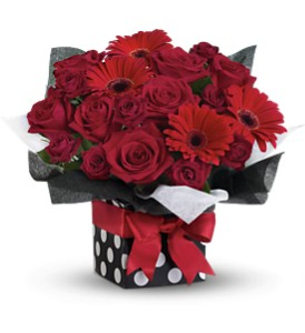 Teleflora's Fifth Avenue Present - Deluxe in Buffalo Grove IL, Blooming Grove Flowers & Gifts
