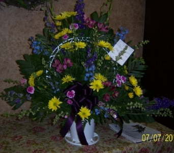 Traditional basket arrangement in Athens OH, Jack Neal Floral