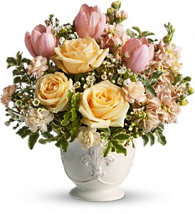 Teleflora's Peaches and Dreams in Dubuque IA, New White Florist