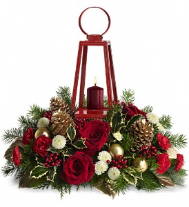 WILLIAMSBURG Lantern Centerpiece by Teleflora in Warren MI, J.J.'s Florist - Warren Florist