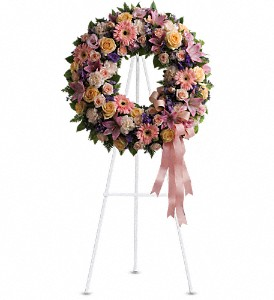Graceful Wreath in North Babylon NY, Towers Flowers