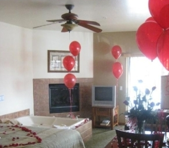 MEDIUM ROMANCE PACKAGE in Big Bear Lake CA, Little Green House