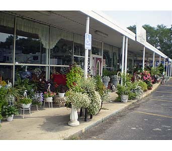 The Outdoor Garden in Hanover PA, Country Manor Florist