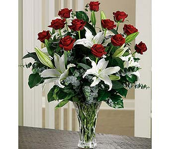 Long-Stem Roses and Lilies Arrangement in Palm Desert CA, Milan's Flowers & Gifts