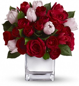 Teleflora's It Had to Be You Bouquet in Austintown OH, Crystal Vase Florist