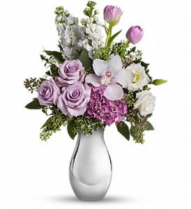 Teleflora's Breathless Bouquet in Austintown OH, Crystal Vase Florist