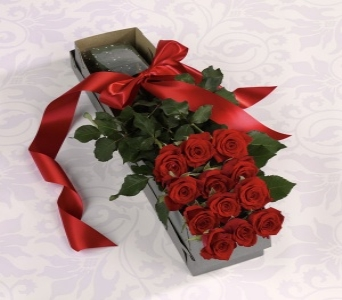 Boxed Dozen Roses in Orlando FL, University Floral & Gift Shoppe