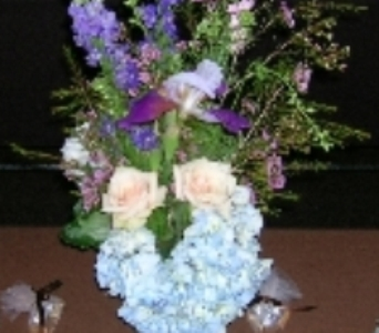 arrangements in Memphis TN, Debbie's Flowers & Gifts