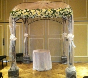 Arches and Canopy's in Staten Island NY, Evergreen Florist