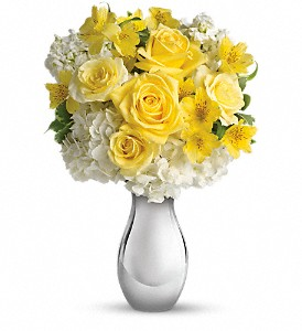 Teleflora's So Pretty Bouquet in Midland TX, A Flower By Design