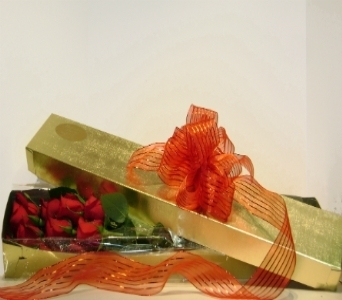 Red Rose Gift Box in Herndon VA, Herndon Florist, Inc