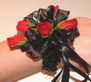 Red Sweetheart Rose Wristlet in Salisbury MD, Kitty's Flowers