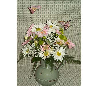 Pretty As A �Pitcher� in Lemoore CA, Ramblin' Rose Florist