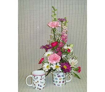 Mug Of Love in Lemoore CA, Ramblin' Rose Florist