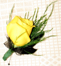 Yellow Rose Boutonniere in Valparaiso IN, Schultz Floral Shop
