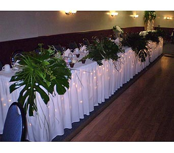 THE HEAD TABLE in Hanover PA, Country Manor Florist
