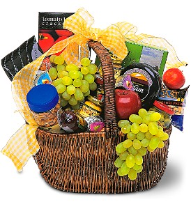 Gourmet Picnic Basket in Oklahoma City OK, Array of Flowers & Gifts