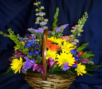 Flattering Basket in Saratoga Springs NY, Dehn's Flowers & Greenhouses, Inc