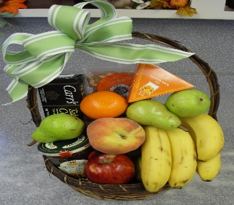 Fruit and Gourmet Md Basket in El Paso TX, Kern Place Florist