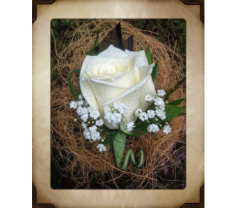 Traditional Boutonniere in Yorba Linda CA, Garden Gate