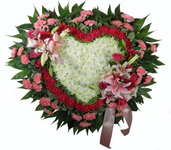 Love's Garden Deluxe Heart in Indianapolis IN, Steve's Flowers & Gifts