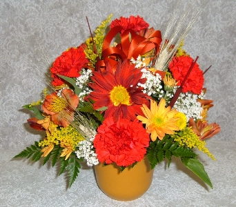 Round Centerpiece  in Weymouth MA, Hartstone Flower, Inc.
