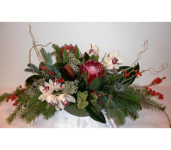 Cranberry Accents in Victoria BC, Fine Floral Designs