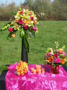 Wedding Flowers on Table in Arcata CA, Country Living Florist & Fine Gifts