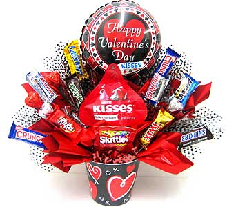 CB282  �Sweet Kisses� Candy Bouquet in Oklahoma City OK, Array of Flowers & Gifts