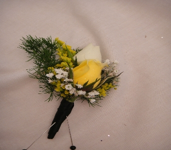 Yellow and white rose in Greenville SC, Expressions Unlimited