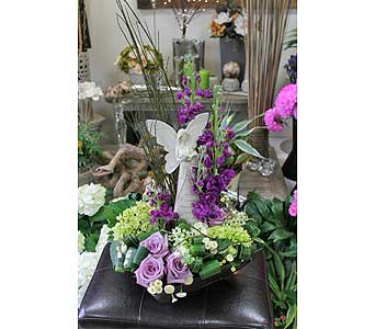 Floral Arrangement in Newmarket ON, Blooming Wellies Flower Boutique