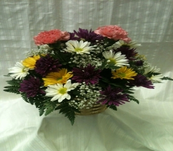 WICKER BASKET in Bellmore NY, Petite Florist