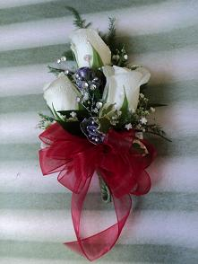 Miniature Rose Wrist Corsage in Gaithersburg MD, Flowers World Wide Floral Designs Magellans
