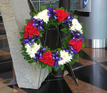 PATRIOTIC MEMORIAL WREATH in Arlington VA, Twin Towers Florist