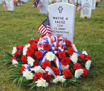 DELUXE PATRIOTIC GRAVE BLANKET WITH ROSES in Arlington VA, Twin Towers Florist