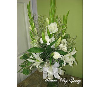 White Serenity in Brentwood CA, Flowers By Gerry