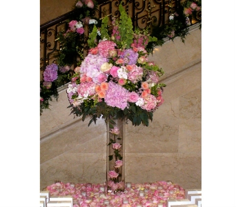 Large Escort Card Table Arrangement (Metro-Detroit in Southfield MI, Thrifty Florist