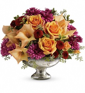 Teleflora's Elegant Traditions Centerpiece in Bluffton IN, Posy Pot