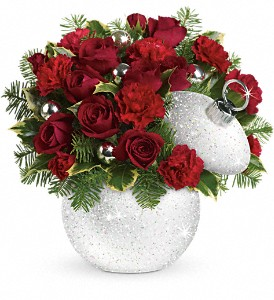 Teleflora's Shimmering Snow Bouquet in Mobile AL, Cleveland the Florist