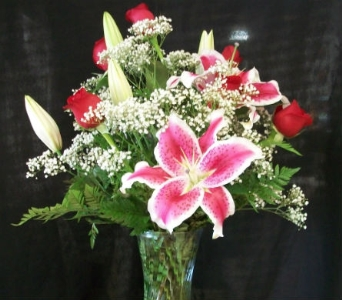Stargazer Lily and 6 Red Rose Arrangement in Mililani Town HI, Mililani Town Florist