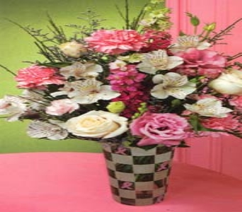 Breast Cancer Awareness in St Catharines ON, Vine Floral