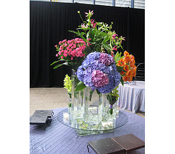 Spider Lily, Hydrangea, & Spray Rose Centerpiece in Somerset NJ, Flower Station