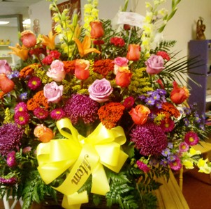Sunny Day Tribute in Abington MA, The Hutcheon's Flower Co, Inc.