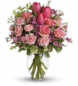 Full Of Love Bouquet in Austintown OH, Crystal Vase Florist
