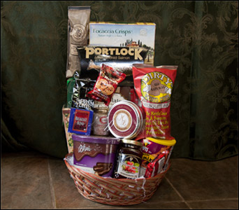 Holiday Gourmet Basket in Fairfield CT, Tom Thumb Florist