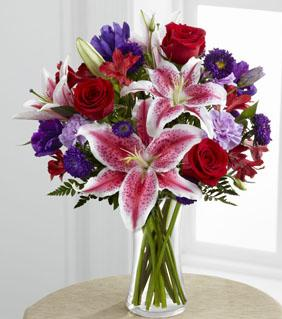 FTD Stunning Beauty Bouquet in Hollister CA, Barone's Westlakes Balloons and Gifts